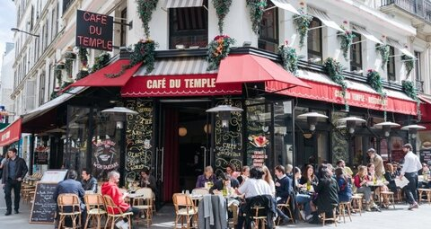 Paris reopens its cafés and bars as Covid-19 lockdown eases