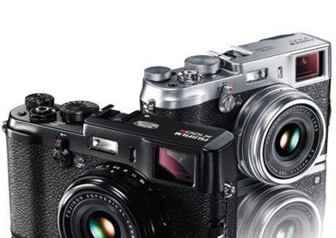 The Fujifilm X100S retro shooter