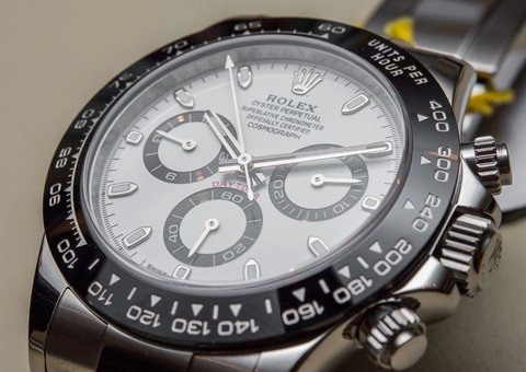 How to use the bezel markings on your watch