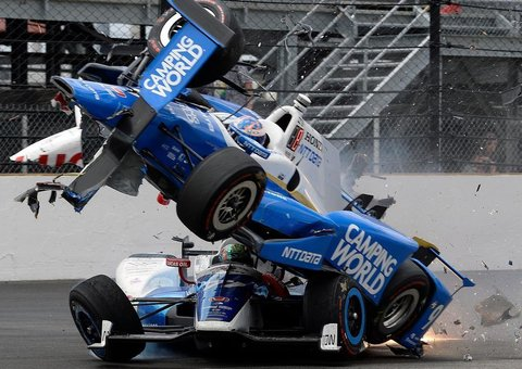 How the hell was no one seriously hurt in this Indy 500 crash?