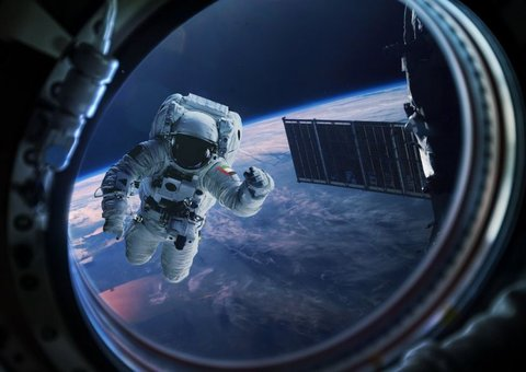 More than 1,000 of you signed up to be UAE astronauts