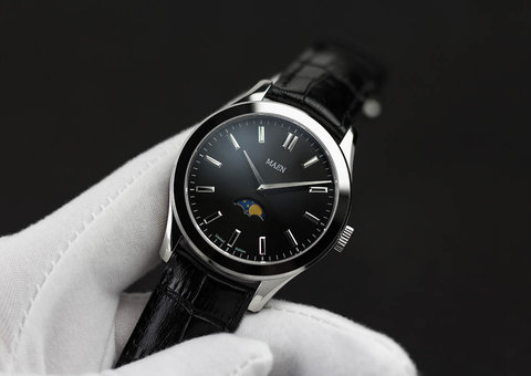Introducing the MAEN Manhatten 40 Moonphase