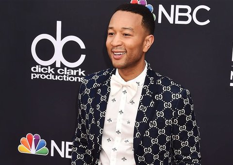 John legend wore the heck out of this Gucci outfit
