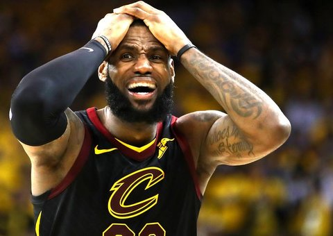 LeBron breaks Cleveland hearts (again), joins The Lakers