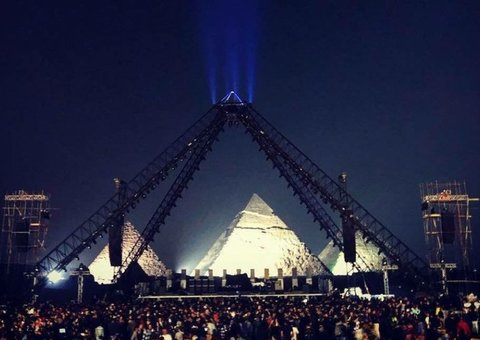 Red Hot Chili Peppers wow audience with gig in shadow of Giza Pyramids