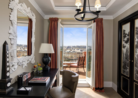 A new Rocco Forte hotel has opened in Rome and it is utterly luxurious