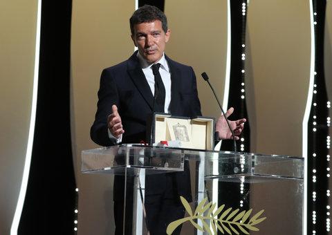 Antonio Banderas wins best actor at Cannes