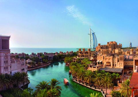 Jumeirah Al Qasr: life with a little more class than chaos