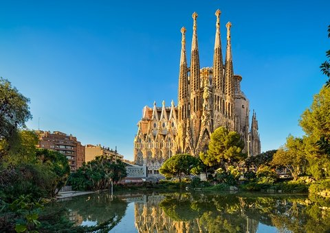 Barcelona has issued a work permit for the Sagrada Familia after 137 years