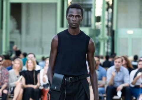 AMI Paris reveals minimal sharp tailoring for SS20