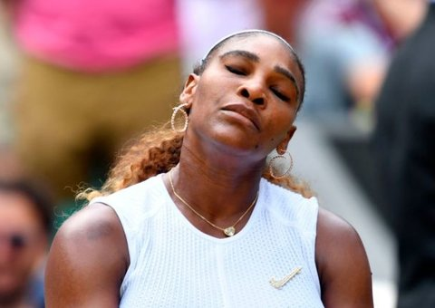 Serena Williams to fork out $10,000 for damaging Wimbledon court