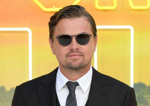 Leonardo Di Caprio goes full wall street at Once Upon a Time premiere