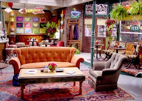 'Friends' couch goes on tour