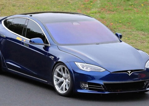 New prototype Telsa Model S beats Porsche Taycan by 20 seconds
