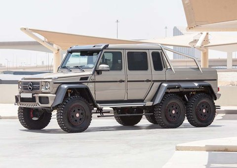 A six-wheel $500,000 Mercedes is up for auction in Abu Dhabi
