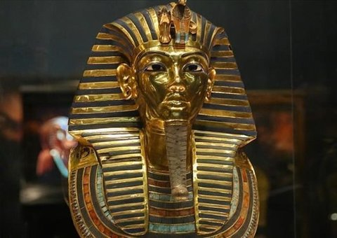 Tutankhamun's exhibit opens in London before moving to final destination in Egypt