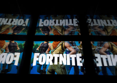 Fortnite players take moment of silence to commemorate World War 1