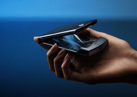 The RAZR Review - Motorola's bendy new smartphone