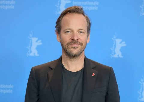 Peter Sarsgaard has joined the cast of the Robert Pattinson-Batman movie