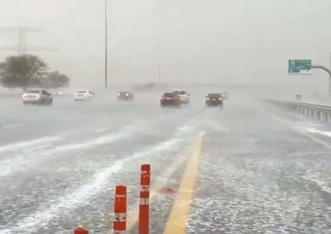 Video: What really happens when it rains in Dubai