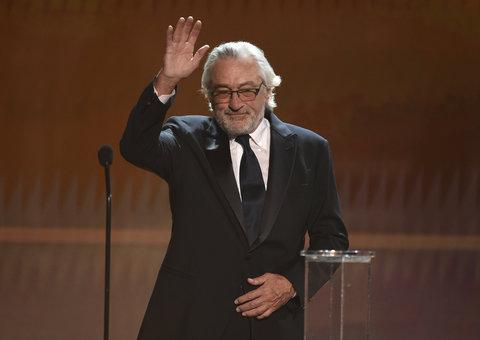 """Robert De Niro talks """"abuse of power"""" by politicians during SAG speech"""