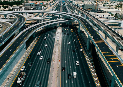 Man jailed in UAE for going 160kph and jumping 12 red lights