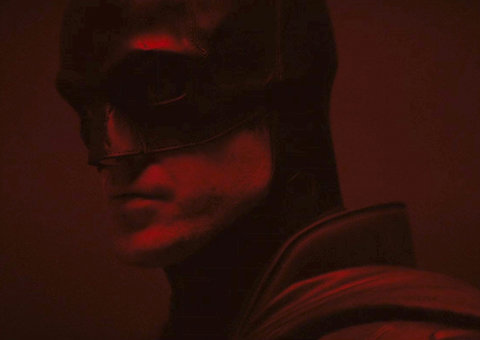 First look at Robert Pattinson in the new Batman suit