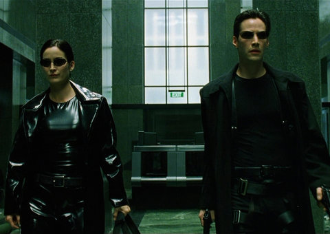 Jumping from buildings and motorcycle chases: Keanu Reeves spotted filming Matrix 4