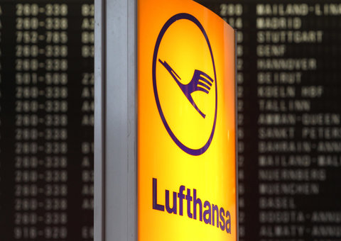 Lufthansa is cancelling 25% of all flights due to Corona virus
