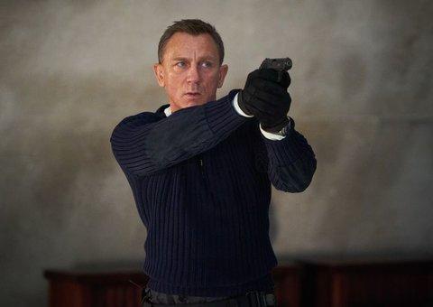 "James Bond is not cursed says ""pis*ed off"" Daniel Craig"