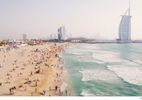 More fines handed out at Dubai beaches for social distancing