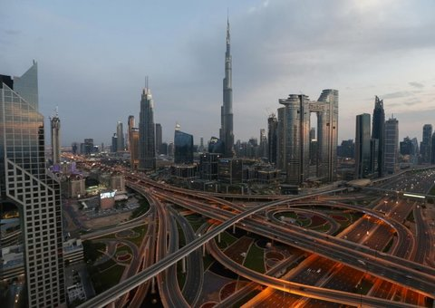 Dubai orders strict 24-hour lockdown for the next two weeks