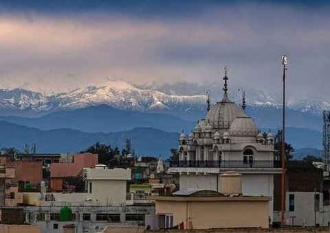 The Himalayas are visible from India for the first time in 30 years because of Covid-19 lockdown