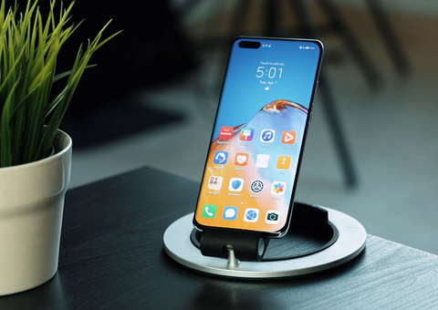 Huawei P40 Pro: top tech in a very shiny new case