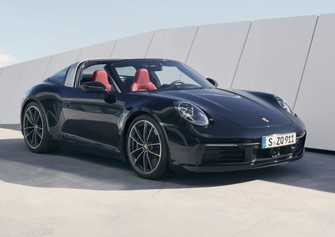 The new Porsche Targa 911 is hot, hot, hot!
