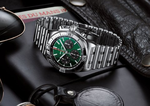 Introducing the new Bentley x Breitling Chronomat