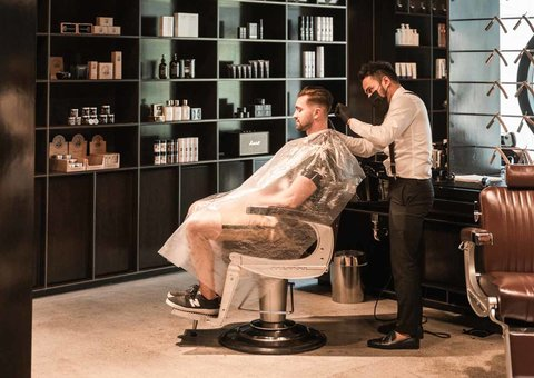 The Dubai barbershop offering a trim, a tipple and a takeaway