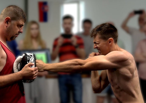 Kickboxer sets record for most punches thrown in a minute
