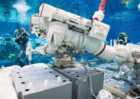 UAE astronauts will train with NASA for space walks and Mars