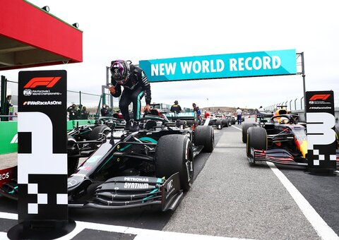 Lewis Hamilton breaks Michael Schumacher's F1 world record