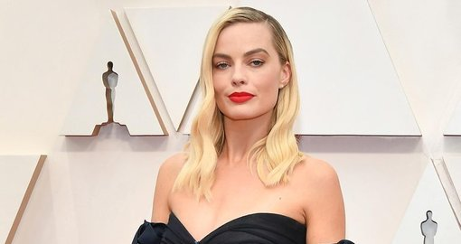 Margot Robbie to star in Disney's new Pirates of the Caribbean movie