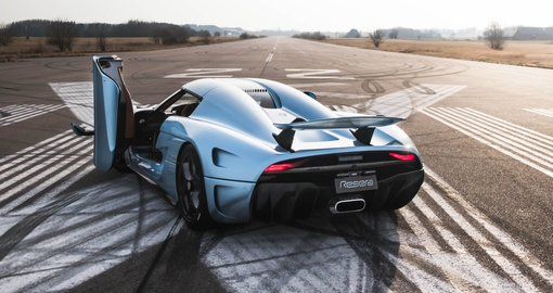 This Koenigsegg Regera supercar heist film is the best thing you'll watch today