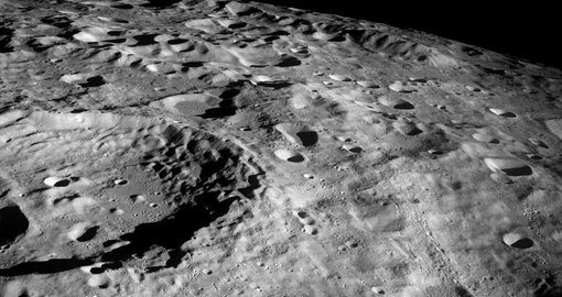 NASA to send astronauts back to the moon by 2024