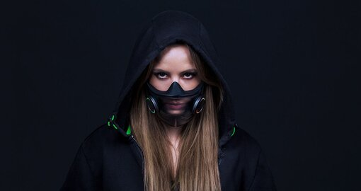 Razer just released a 'smart mask' that lights up neon