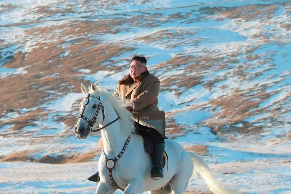 The Best Twitter Reactions To Kim Jon Un S Majestic Horse Ride Through The North Korean Forest Esquire Middle East