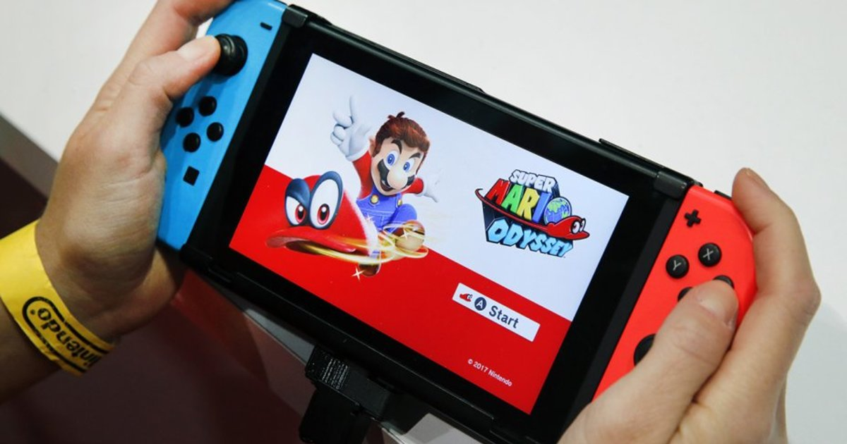 People Are Panic Buying Nintendo Switch Consoles Esquire Middle East