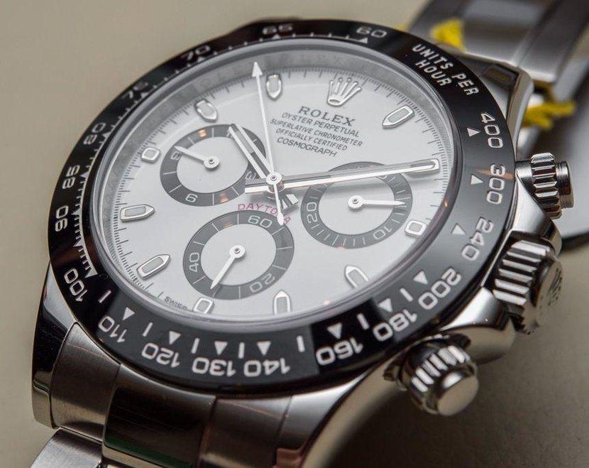 Bezel markings, Watch bezel, Guide to watch bezels, Tag heuer bezel, Tag Heuer, Rolex Cosmograph Oyster, Heuer Autavia, Omega Speedmaster