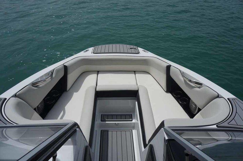C-Eagle 220x, Wakeboarding boat, Wakeboarding dubai, Wakeboarding boat dubai, Wakeboarding dubai marina
