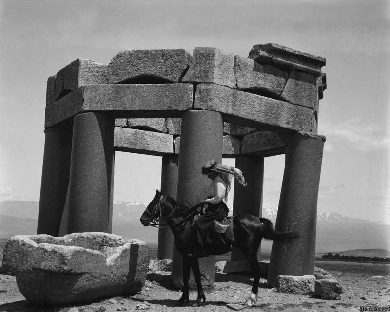 Gertrude Bell in Baalbek, 1900. © Gertrude Bell Archive, Newcastle University.