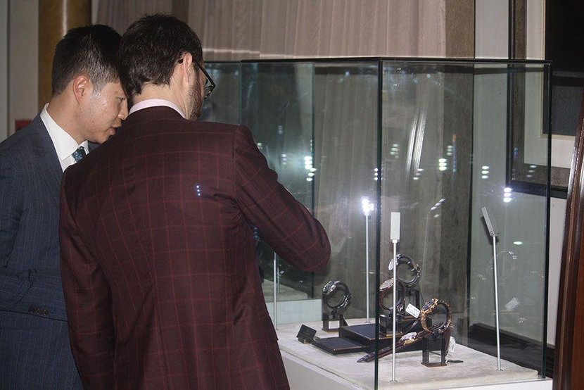 Event, A Gentlemen's Evening, Abu dhabi, Esquire Events, St Regis Hotel, Abu Dhabi Corniche, Suits, Watches, Bespoke Suits, Vacheron Constantin, Michael Andrews, Michael Andrews Bespoke, Q&A, St Regis Bar